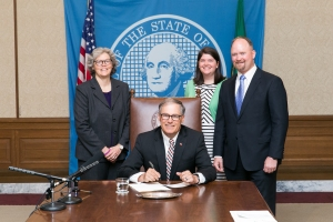 Gov. Jay Inslee signs Substitute House Bill No. 1503, May 8, 2015. Relating to medical liens.